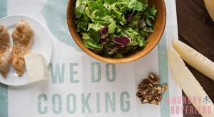 Салат с дыней и курицей - рецепт с фото