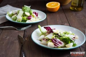 Зеленый салат с перепелиными яйцами гото