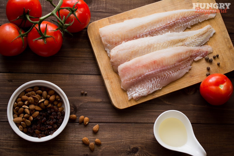 Ингредиенты для рыбы в миндально-томатном соусе