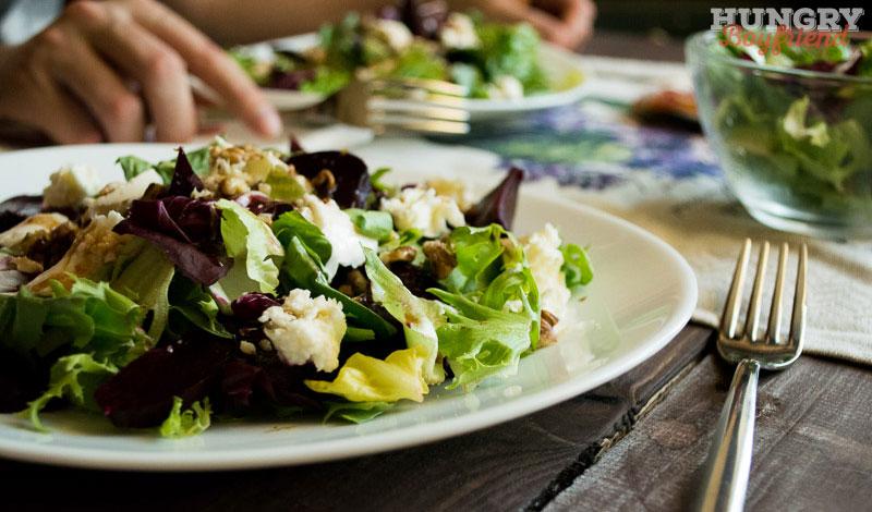 Салат из свеклы с сыром готов