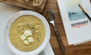 Суп-пюре из нута и цветной капусты готов