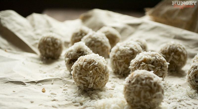 Сыроедческие конфеты из миндаля и фиников - пошаговый рецепт с фото