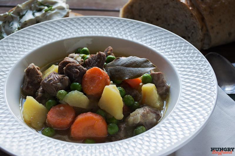 Рагу из индейки с овощами готово