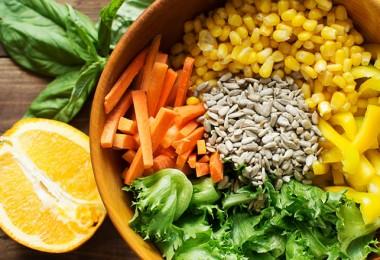 Летний салат с апельсиновой заправкой