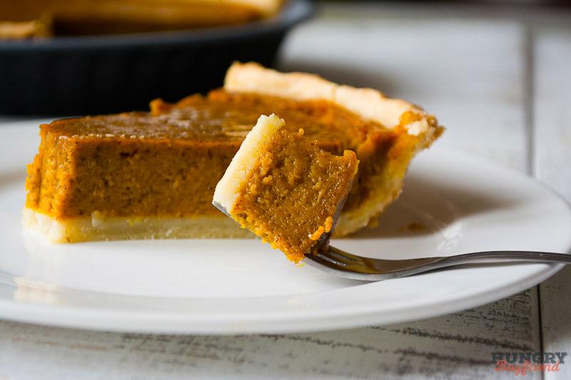 Тыквенный пирог по классическому рецепту готов