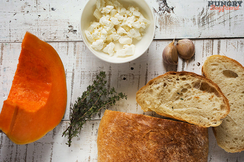 Ингредиенты для брускетты с тыквой и брынзой