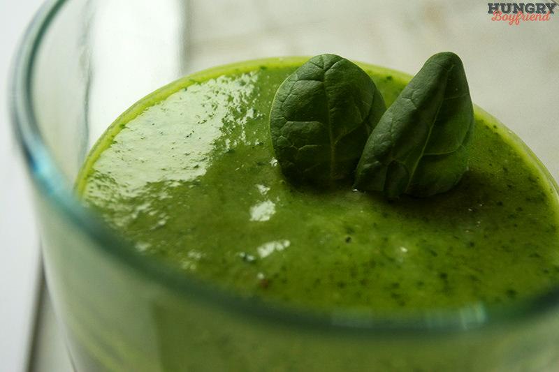 Смузи со шпинатом и авокадо