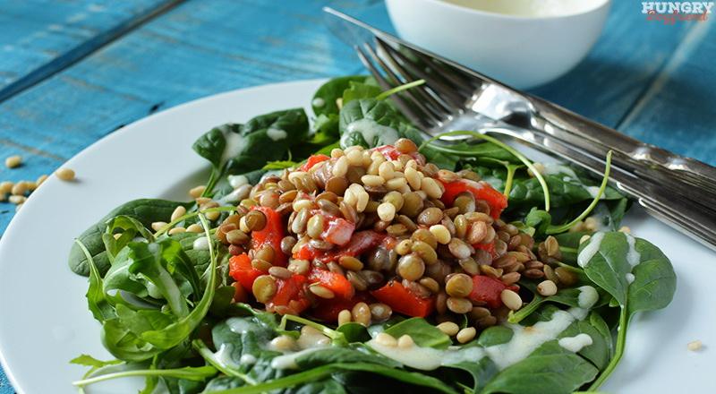 Салат из чечевицы с печеным перцем и шпинатом - пошаговый рецепт с фото